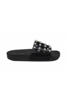Stud Sliders Black