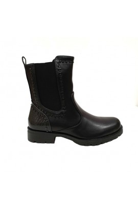 Stud Trim Boot Black