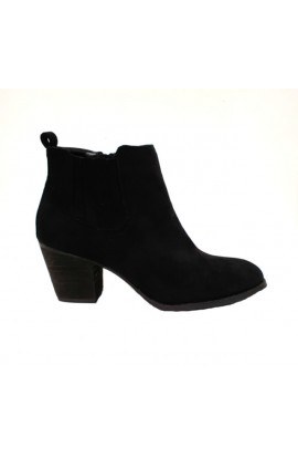 Suede Short Boot Black
