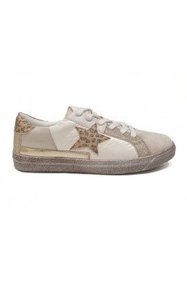 Beige Star Trainer